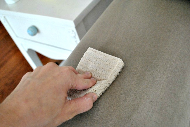 how to clean microfiber couch with rubbing alcohol upholstery cleaning hub. Black Bedroom Furniture Sets. Home Design Ideas
